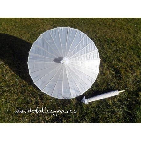 Parasoles tela en blanco