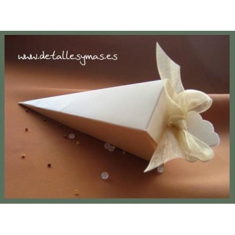 Cajitas cartón cónicas en blanco
