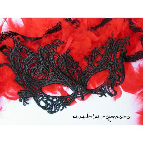 Mascara de encaje  Traviata