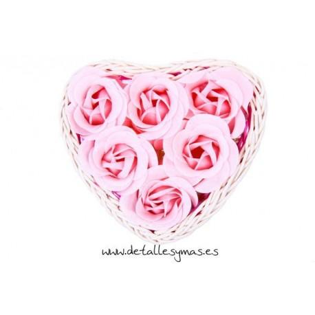 Cestita de mimbre con 6 rosas de jabón