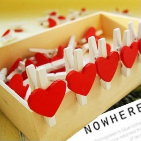 Pinzas de madera corazón rojo