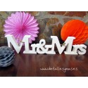 LETRAS DE MADERA MR AND MRS .