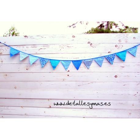 Banderines de tela azules