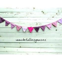 Banderines de tela rosa