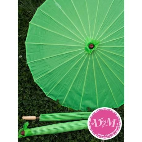 Parasol verde de tela