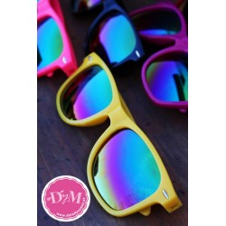 Gafas de sol colores. Cristal espejo