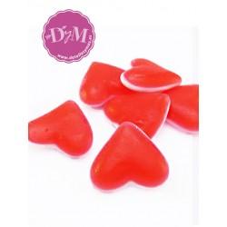 Corazones rojos de gominola .