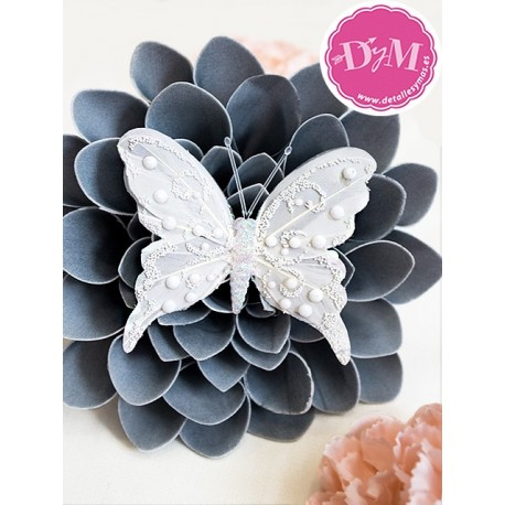 Mariposa de plumas Pearl