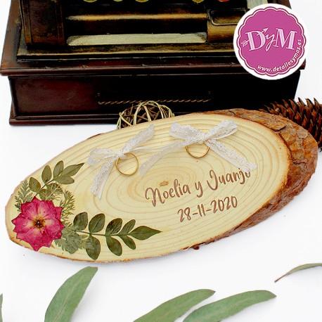 Portanillos madera con flores prensadas