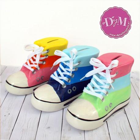 Huchas zapatillas cordones. 3 colores